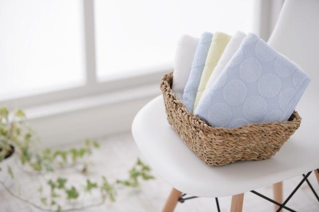 効率的な洗濯物の干し方と収納、タオルで実践!