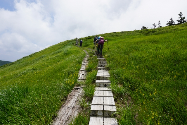 登山初心者におすすめしたい、快適登山の基本の持ち物。
